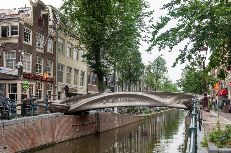 Walk the First 3D-Printed Bridge and Be Counted