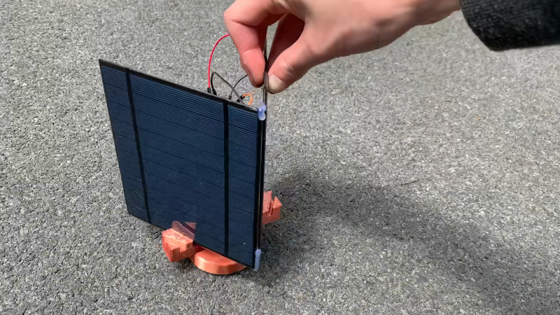 A Simple Sun Tracker With Very Few Parts