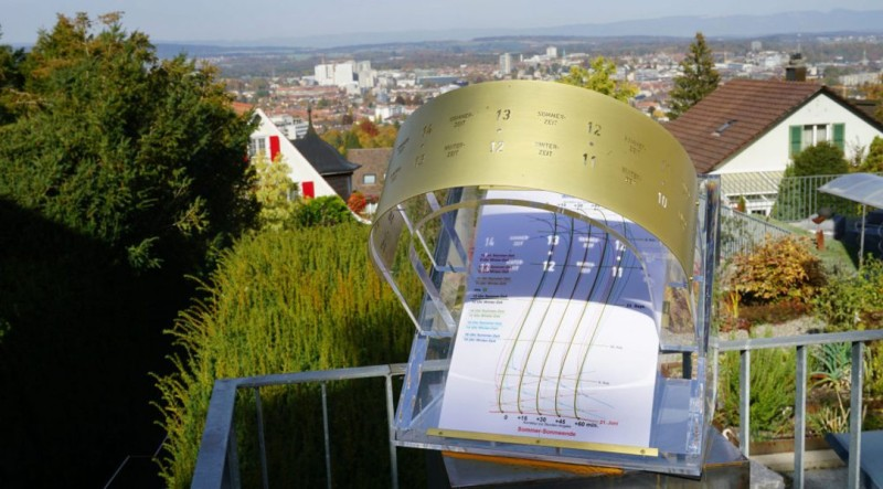Precise Sundial Tells Time to the Minute