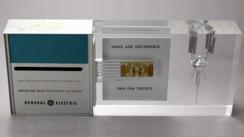 High-Tech Paperweight Shows off Working 60s-era Thin-Film Electronics