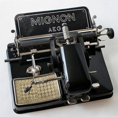 AEG Mignon index typewriter from 1924 via Wikimedia Commons