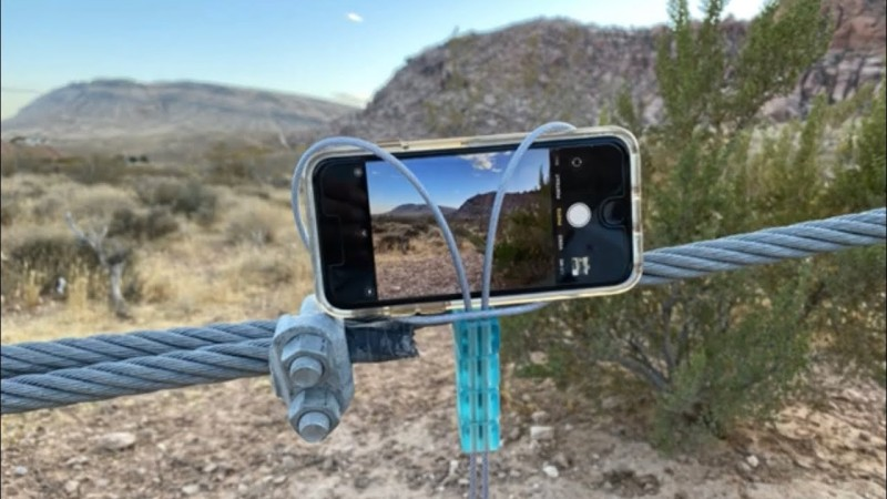 Build Yourself A Nifty Cable Smartphone Mount