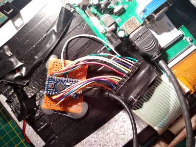 The keyboard of a French Minitel terminal is wired up to an Arduino Pro Micro.